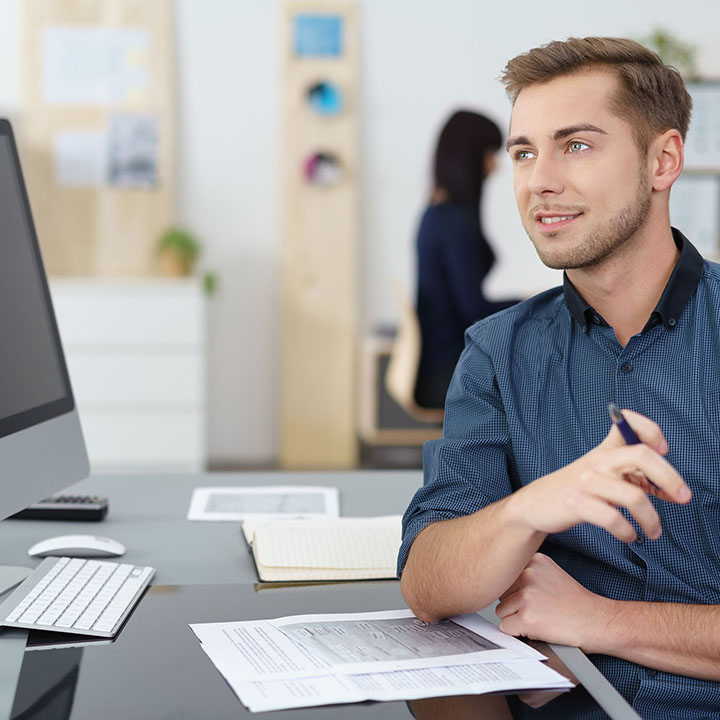 社内や顧客の技術的なお問い合わせに対応する